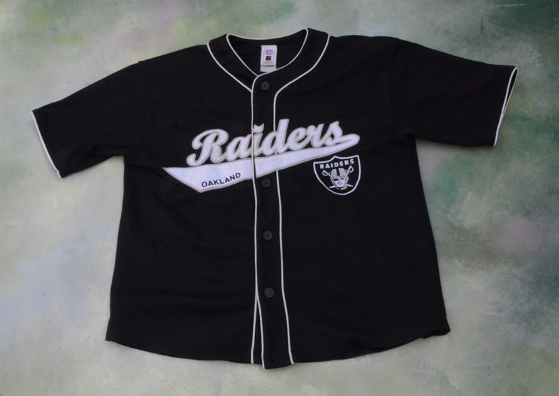 competitive price c2389 5b031 Details about Vintage NFL Oakland Raiders Baseball Retro Style Randy Moss  #18 Jersey Size M.