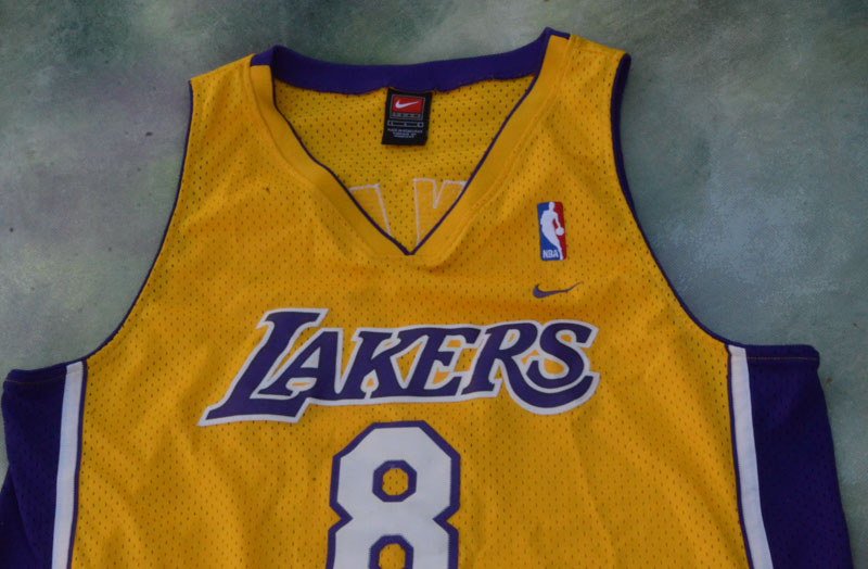 0da11f90996 Details about Nike NBA Los Angeles Lakers Kobe Bryant  8 Jersey Size L.