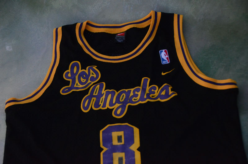 452d0f73aab Details about Vintage Nike NBA Los Angeles Lakers Kobe Bryant # 8 Jersey  Size L.